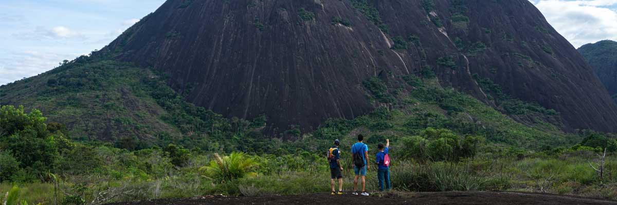 Frente a Los Cerros